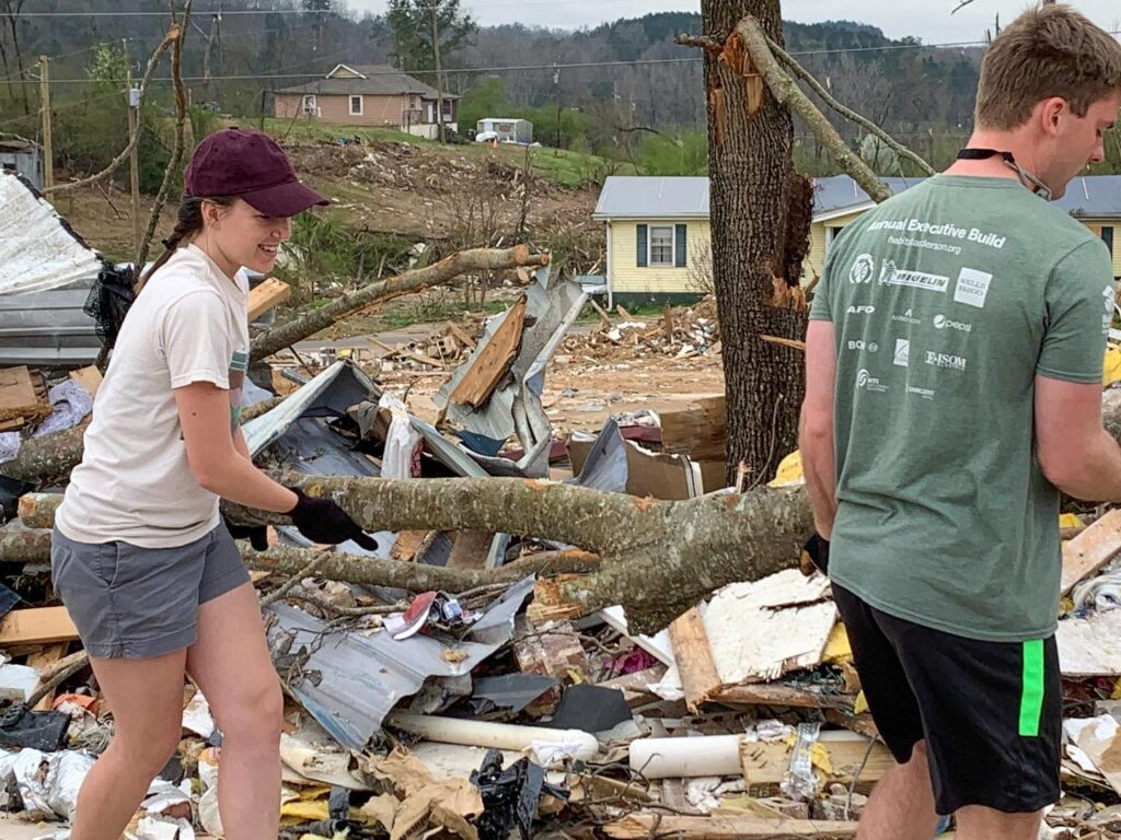 Csm Cleaning Up After The Tornado Alabama, Alabama Baptist Disaster Relief, Alabama Voad, Calhoun County, Calhoun County Ema, Christian Service Mission, Church Of The Highlands, Crisis Cleanup, Mercy Chefs, United Way, United Way Hands On, Volunteering