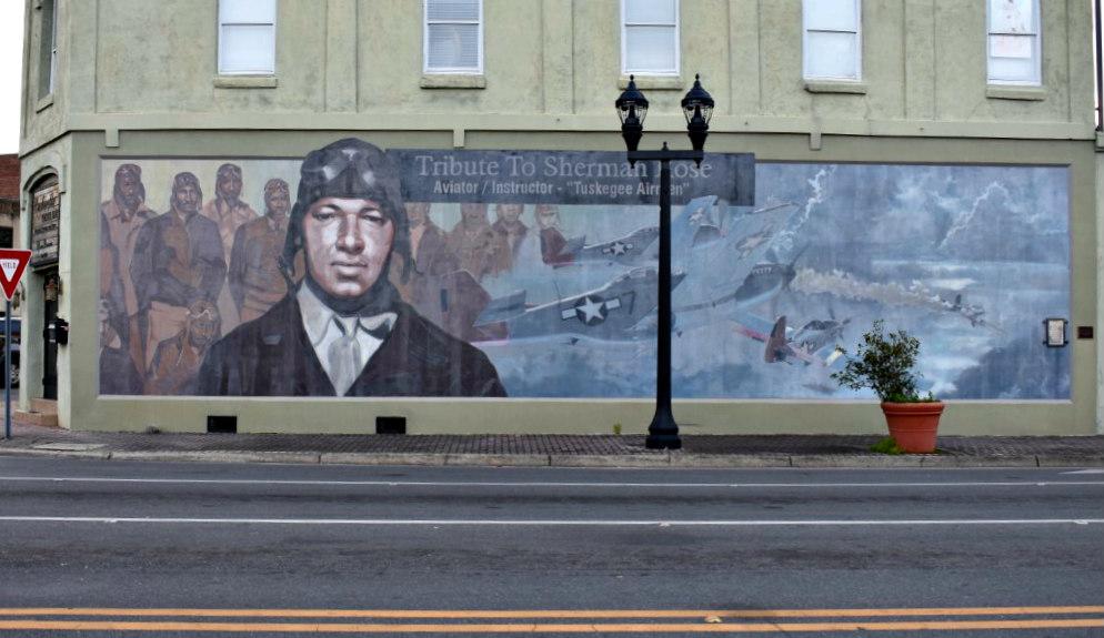 Mural In Honor Of Tuskegee Airmen