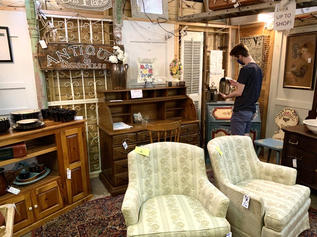 Getting thrifty! 4 great thrift stores in the Mobile area