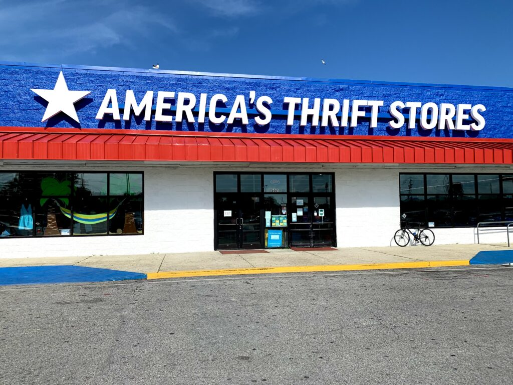 America'S Thrift Stores Entrance.