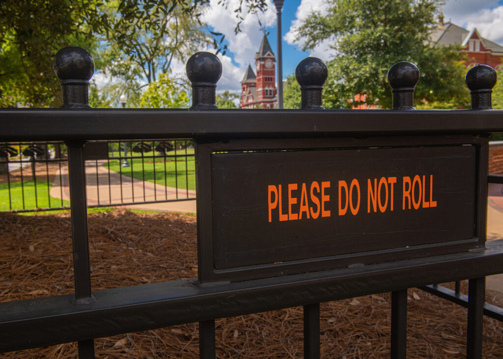 """No """"rolling"""" zone: students to avoid Auburn Oaks this year"""
